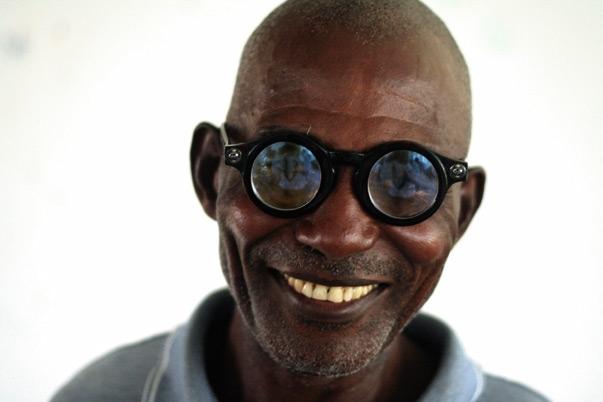 Man tror at så stor del som 80 % av disse 285 millionene synshemmede kunne vært normalt seende ved tilgang til hjelp.