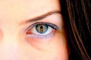 Slik skåner du øynene mot skjermplager